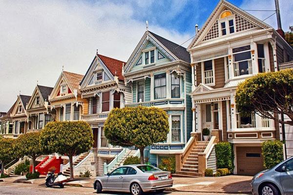 Con phố màu sắc hấp dẫn ở San Francisco