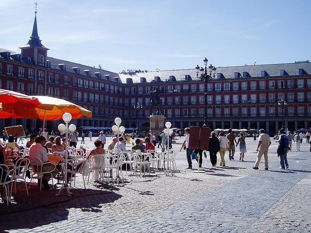 Khám phá thành phố Madrid cổ kính