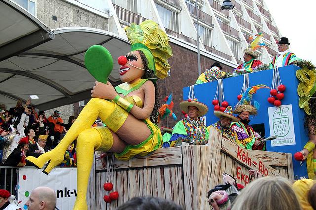 Rực rỡ lễ hội carnival ở cologne