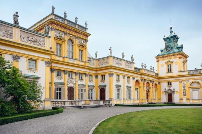 Chiêm ngưỡng vẻ đẹp cổ kính của lâu đài Wilanow