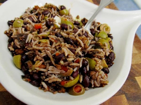 Đến Cuba thưởng thức món cơm trộn ngon tuyệt
