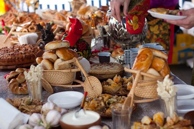 Thú vị lễ hội Maslenitsa ở Nga