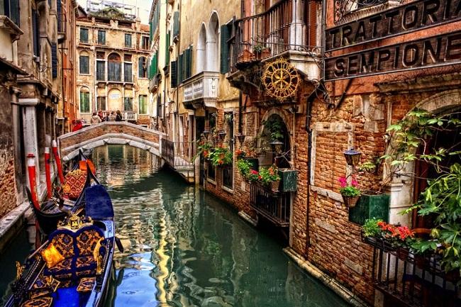 Vé máy bay đi Italia bao nhiêu tiền