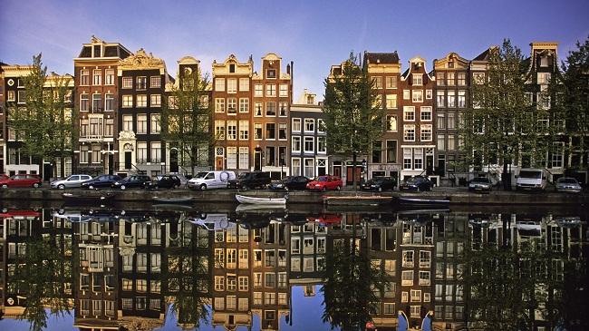 Vé máy bay Hà Nội đi Hà Lan bao nhiêu tiền