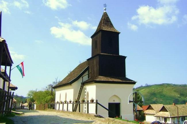 Khám phá làng cổ Holloko ở Hungary