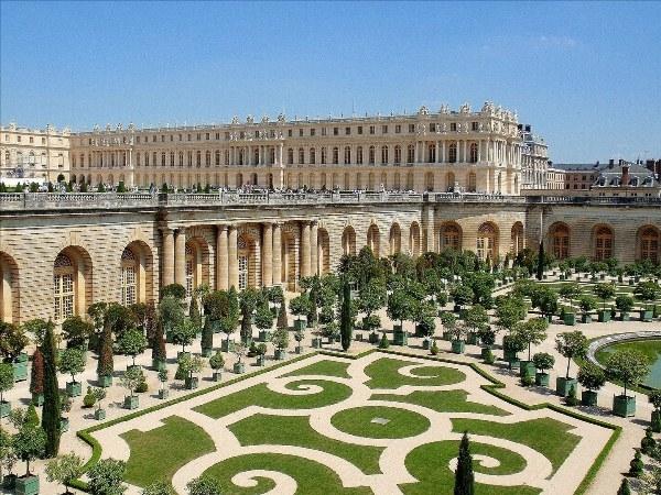 Cung điện Versailles lộng lẫy ở Pari