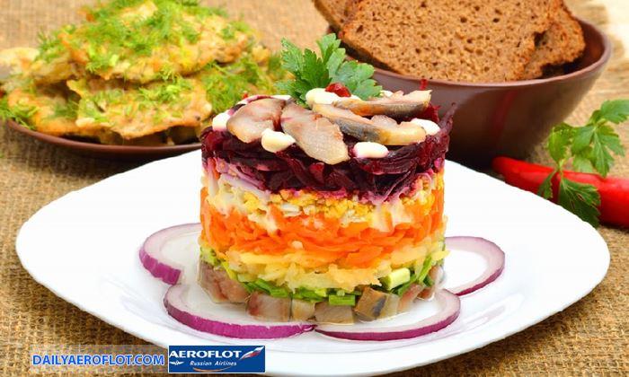 Salad cá trích và củ dền